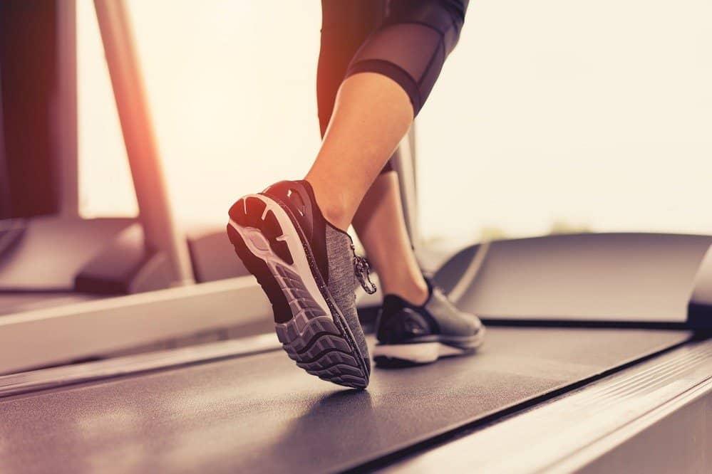 Cómo ajustar las correas de la cinta de correr: mantener la máquina en plena forma